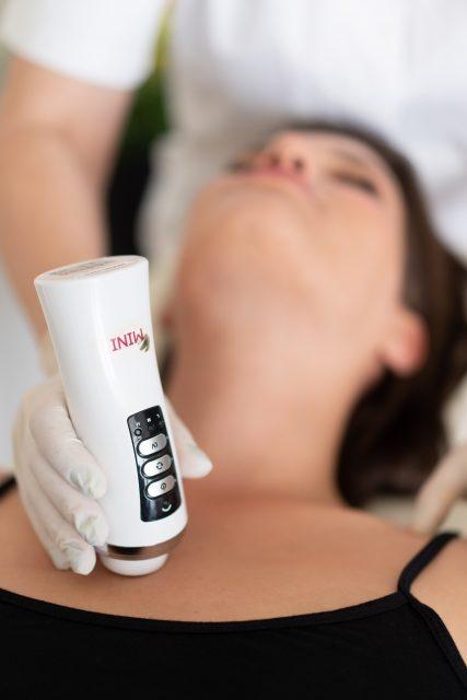 MINI RF   מכשיר מיצוק העור באמצעות גלי רדיו 3